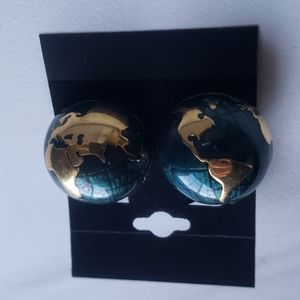 Amazing Vintage globe clip on earrings